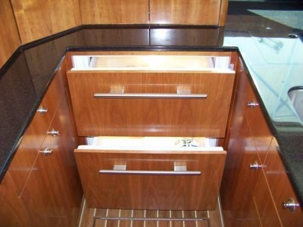 Albemarle 410 Convertible 2008 Galley Storage