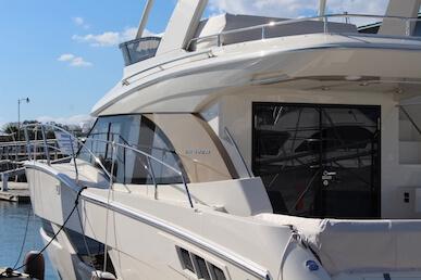 Carver Yachts C40 Emblem