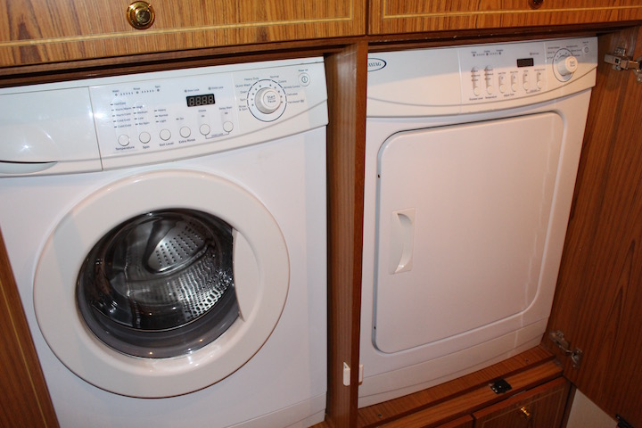 Ocean Yachts 54 SS Hall Washer Dryer