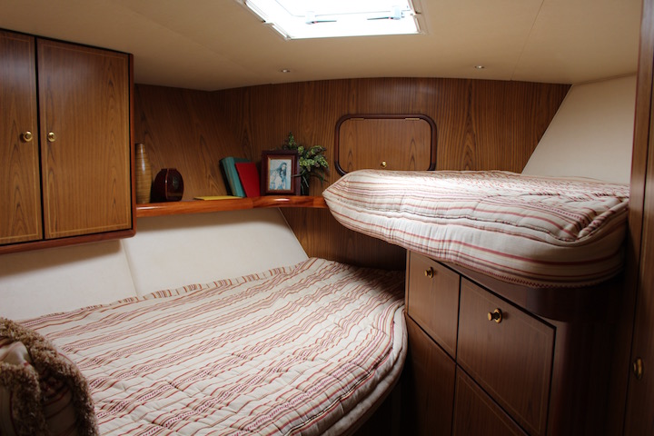 Ocean Yachts 54 SS FWD Cabin